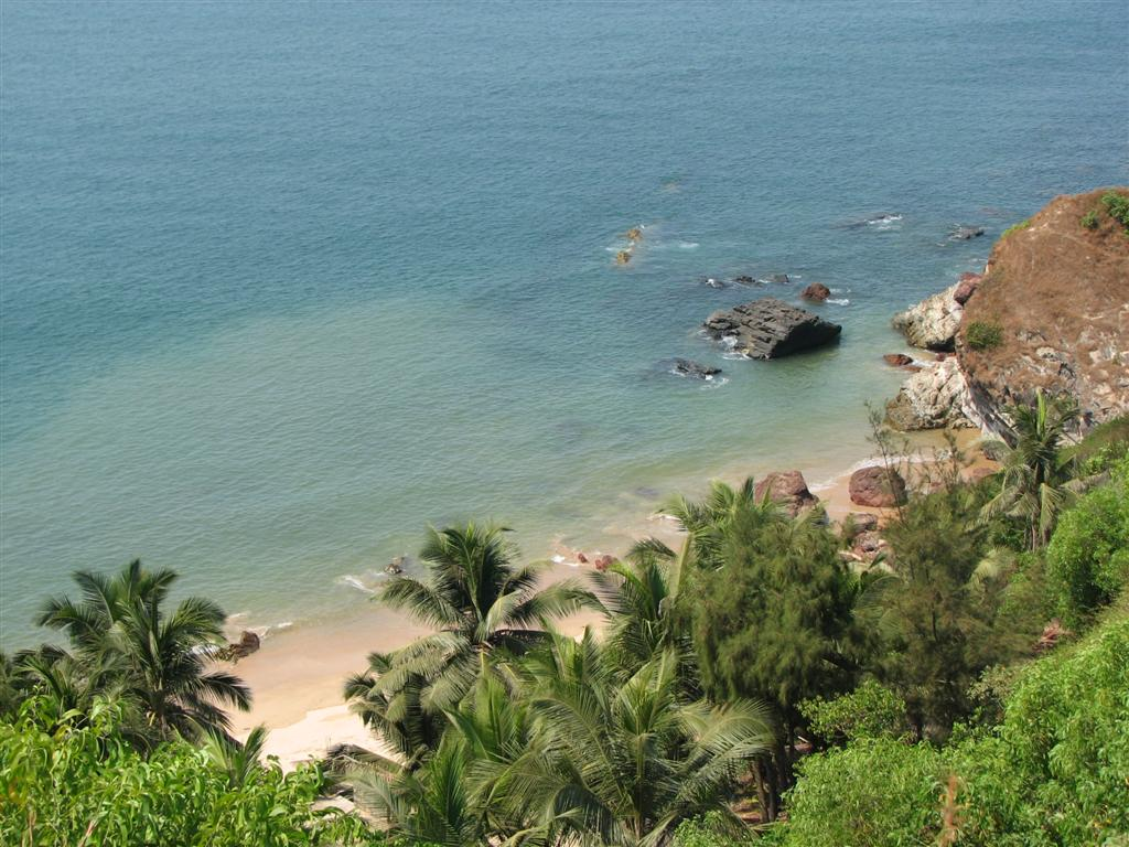 http://www.keralatravels.com/uploadimages/4goa%20pristine%20beaches%20india%20tourism.jpg