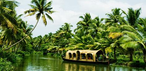 kuttanad backwater houseboat
